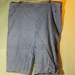 NWOT Pull-on Gingham Patterned Shorts